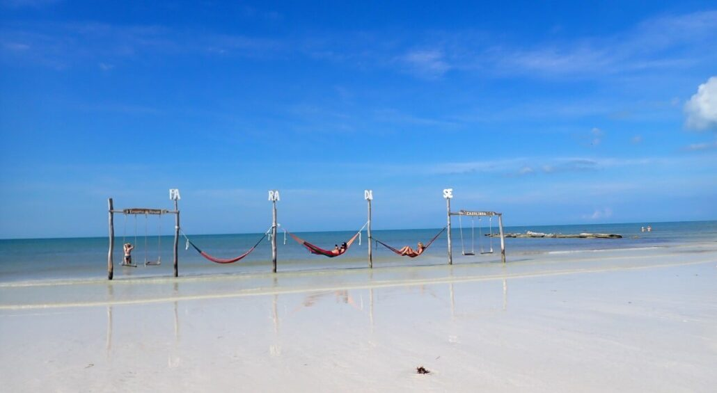 Holbox, swings